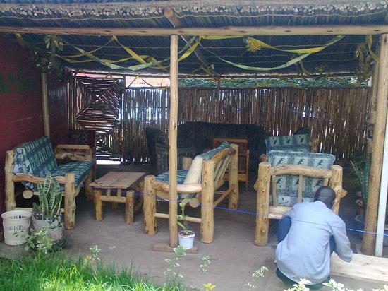 Kabale Backpackers: Garden Lounge