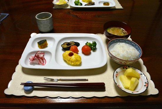 Yogetsu: Brekkie Day 2! Vegetarian (except soup, maybe).