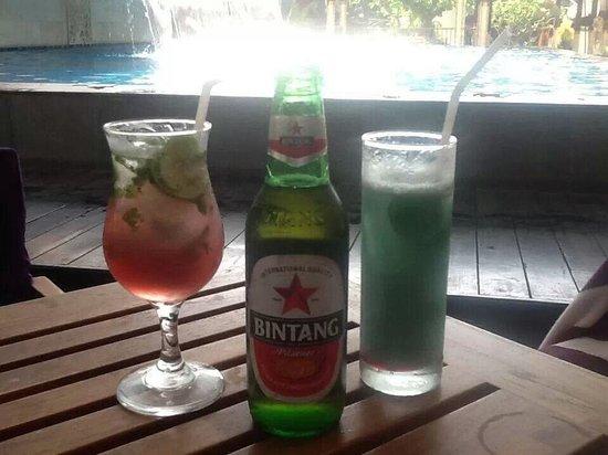 Hotel Horison Seminyak : Few Relaxing Drinks