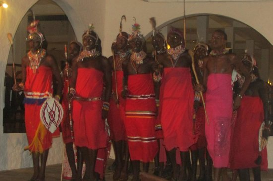 Diani Sea Resort: Evening entertainment