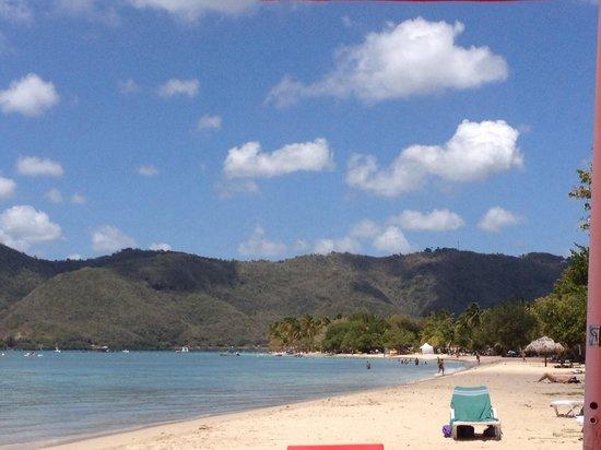 La ronde des yoles: La plage....