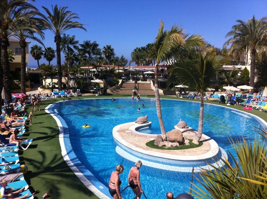 Gran Oasis Resort: Lower pool
