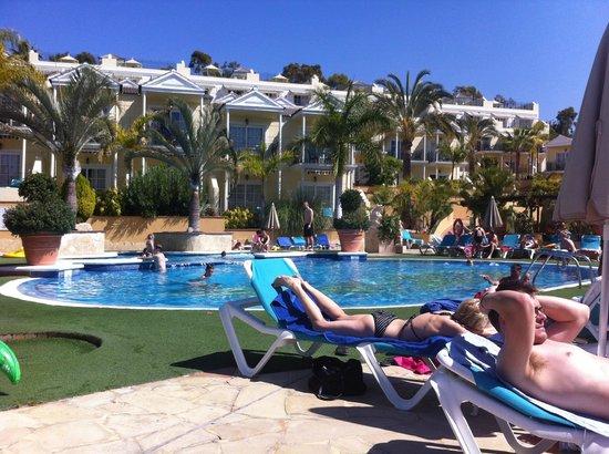 Gran Oasis Resort: Upper pool (heated)