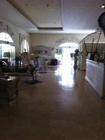 Gran Oasis Resort: Reception