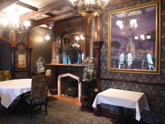 Walt's - an American Restaurant : One of the dining rooms in Walt's Restaurant.