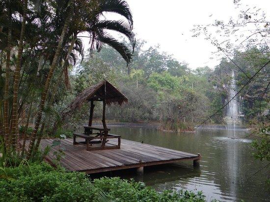 River Kwai Resotel : le lac