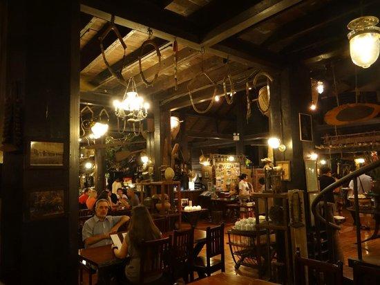 River Kwai Resotel : restaurant de nuit