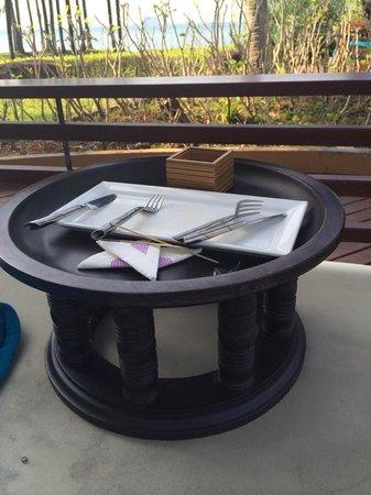 Phulay Bay, A Ritz-Carlton Reserve: Так столик простоял более 3 часов