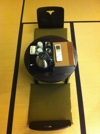 The Edo Sakura : Complimentary tea and coffee