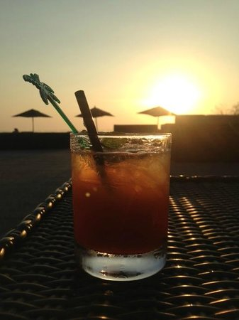 The Houben Hotel ( Adult Only ) : Watching the sunset by the pool with a cocktail