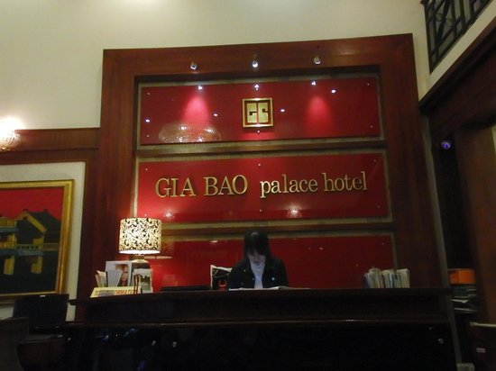 Gia Bao Palace Hotel: ロビー受付