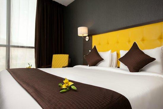 Mango Hotels, Navi Mumbai - Airoli : Club Suite Room