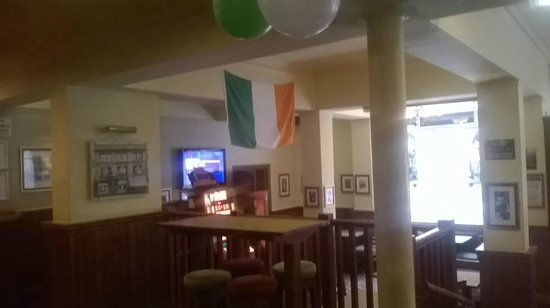 The Blackburn Times: Bottom End Of Main Bar Decorated For St. Patricks Day