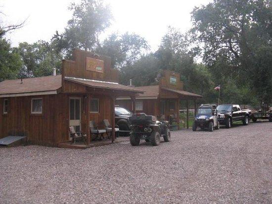 Moore's Old Pine Inn : Plenty of room