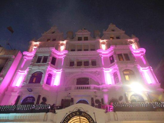 Premier Inn London Leicester Square Hotel: Chambres silencieuses et hotel magnifique
