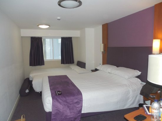 Premier Inn London Leicester Square Hotel: chambre pour 4 assez petites mais l'emplacement est top !