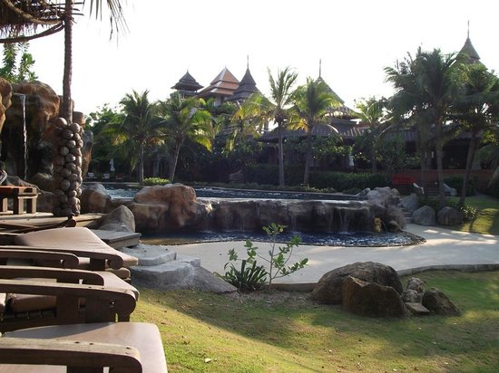 Royal Muang Samui Villas : Pool