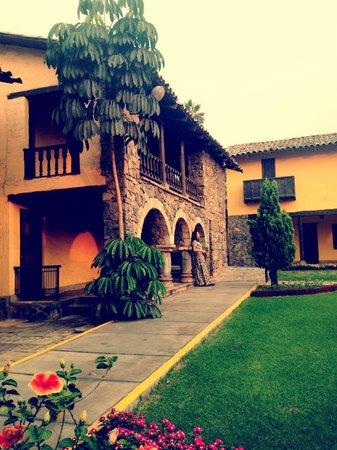 El Pueblo Resort & Convention Center: Vista para os quartos