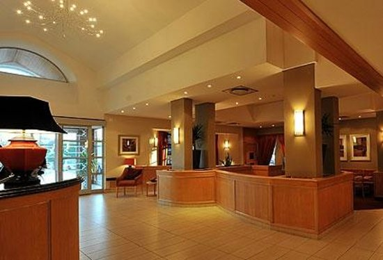 City Lodge Hotel OR Tambo Airport: Hotel Lobby