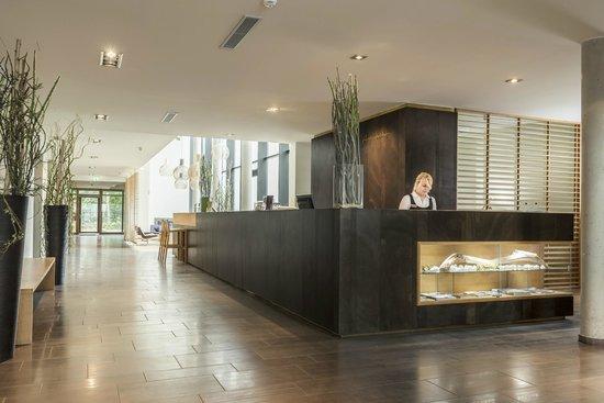 Fuerstenfelder Hotel: Lobby/Rezeption