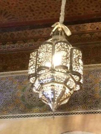 Riad Palais des Princesses : DETTAGLIO DI UN LAMPADARIO