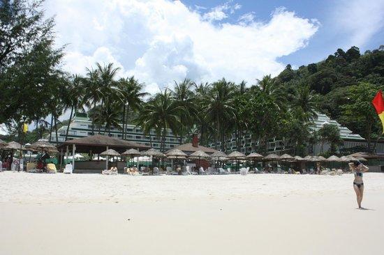 Le Meridien Phuket Beach Resort: 전용비치