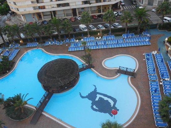 Golden Taurus Park Resort: piscine sans animation