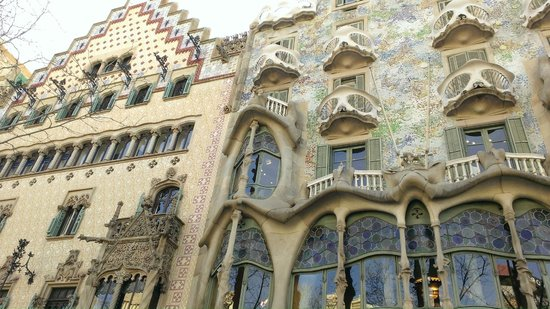 Aparthotel Mariano Cubi: Walking distance from Casa Batllo