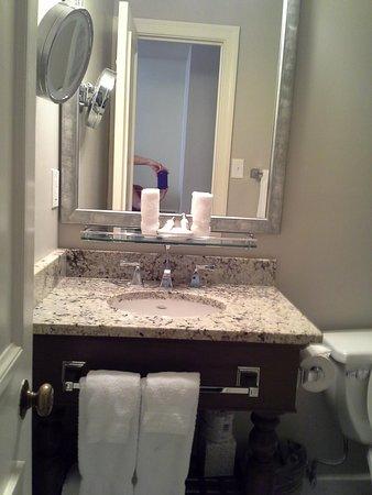 Hotel Provincial: Bathroom
