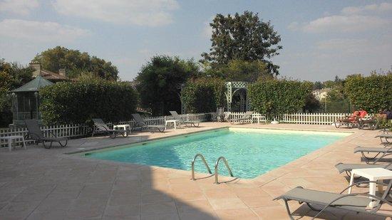 Domaine de Fompeyre : outdoor pool
