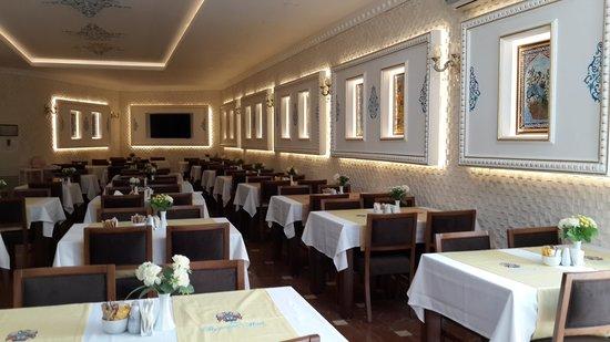 The Byzantium Hotel & Suites : breakfast saloon