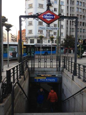 Hotel Mayorazgo: Estação de metrô mais próxima