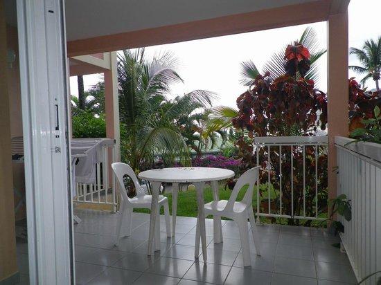 Diamant Beach: La terrasse de notre appartement