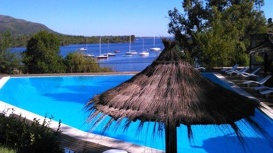 Los Molinos Hotel & Resort : Vista de la pile al lago