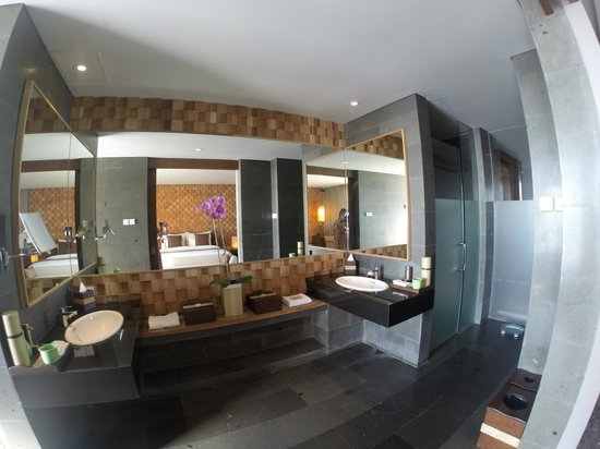 Anantara Uluwatu Bali Resort : bathroom