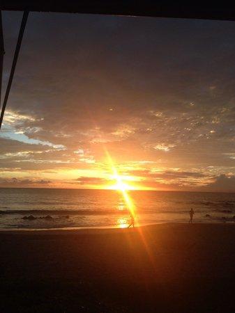 Sarento's on the Beach - Maui: Sunset at Sorentis!
