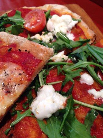 Gusto del Born : Simple great Italian pizza by the slice