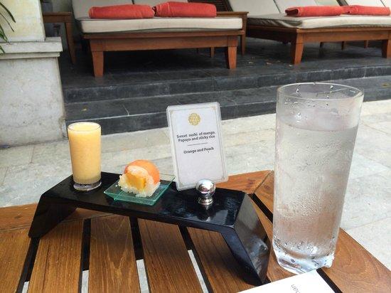 Mandarin Oriental, Bangkok: Poolservice