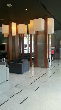 Aparthotel Atenea: Lobby