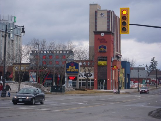 Best Western Fallsview : From the street