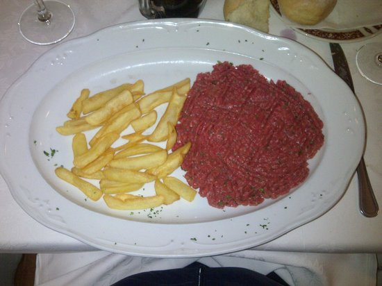 Trattoria Montina: Beef tartare with pommes