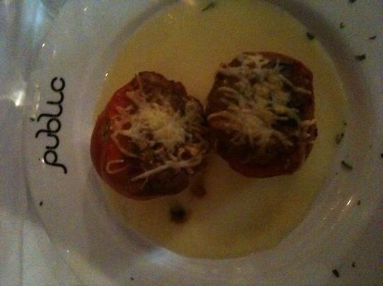 Public : tomates rellenos de bacalao y queso parmentière