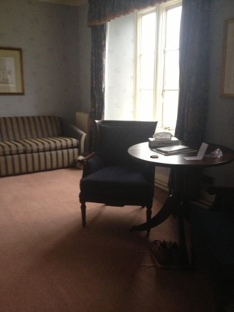Best Western Plus Peterborough Orton Hall Hotel & Spa: decor might not be everyone's taste but I loved it