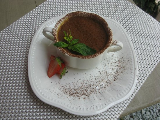 Le Saint-Regis : Home made Tiramisu