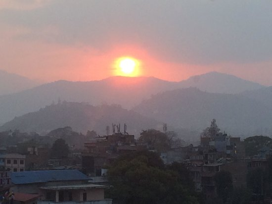 Radisson Hotel Kathmandu: Sunset view from our room in Nepal