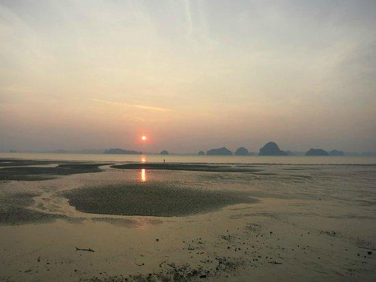 The Tubkaak Krabi Boutique Resort: Stunning Sunset