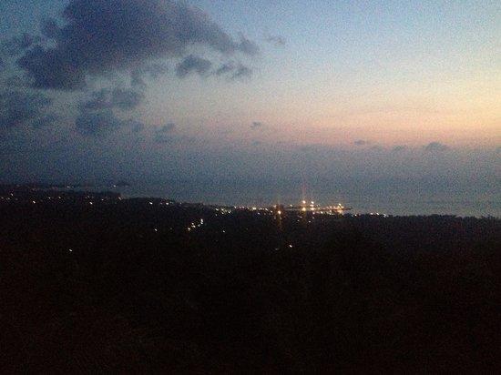 Villa Velks: Evening view from the villa