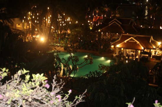Anantara Riverside Bangkok Resort : LE SOIR