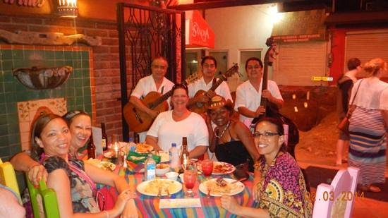 Pancho's Restaurant & Tequila Bar: Doesnt get any better than being serenaded at Pancho's Restaurant