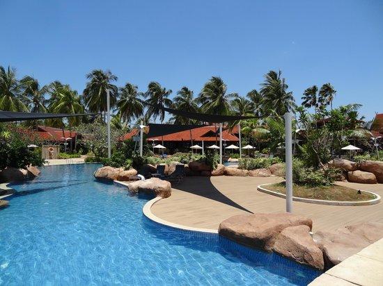 Meritus Pelangi Beach Resort & Spa, Langkawi: La piscine principale